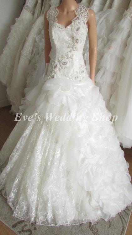 SPARKLY BEADED PRINCESS WEDDING DRESS 10/12