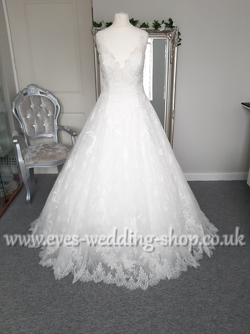 Blue by Enzoani ''Kaylin'' ivory wedding dress UK 16