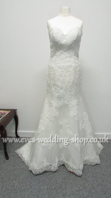 Jade Daniels by Christine Dando ivory wedding dress approx UK 10
