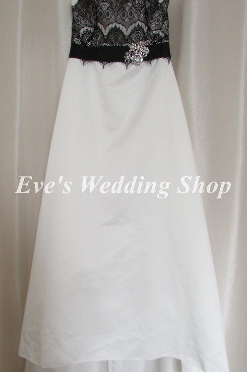 Eternity bride ivory black simple wedding dress UK 12