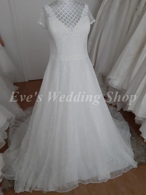 Callista ivory wedding dress with cap sleeves UK 18