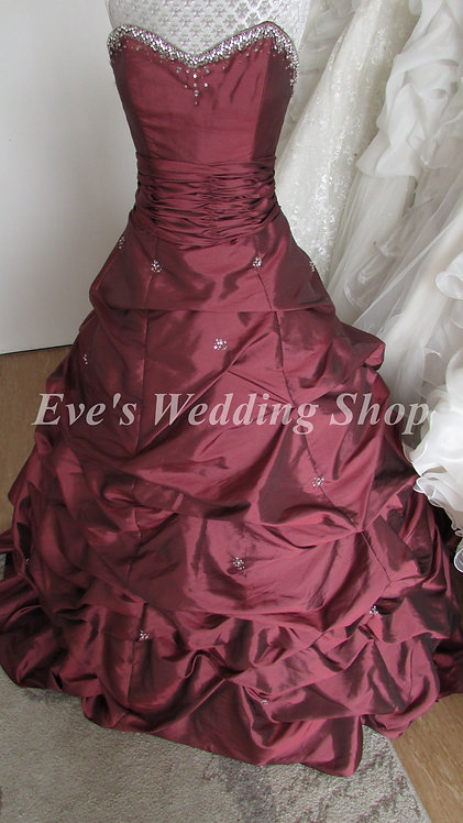 Venus style 7891 wedding dress garnet color UK 10/12