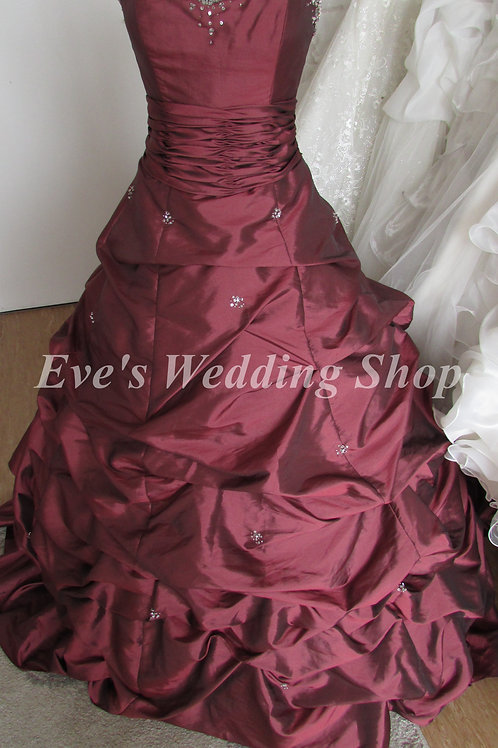 Venus style 7891 wedding dress garnet color UK 10/12