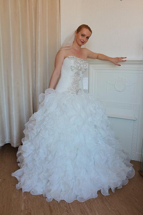 Sparkly ivory glitter ruffled wedding dress UK 10/12
