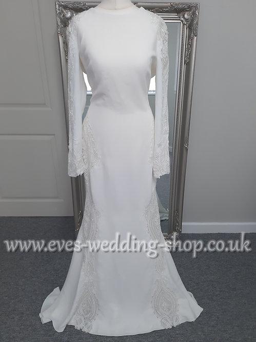 Atelier Pronovias ''Condesa'' wedding dress with sleeves UK 12