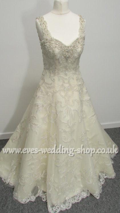 Christine Dando vanilla colour wedding dress UK 12