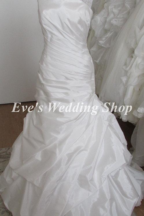 Alfred Angelo taffeta diamond white wedding dress Uk 12