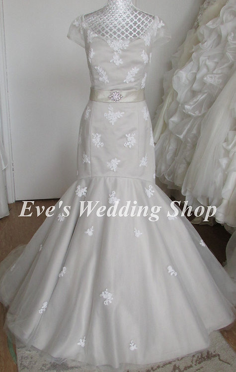 Lou Lou bridal grey wedding dress with bow UK 8/10