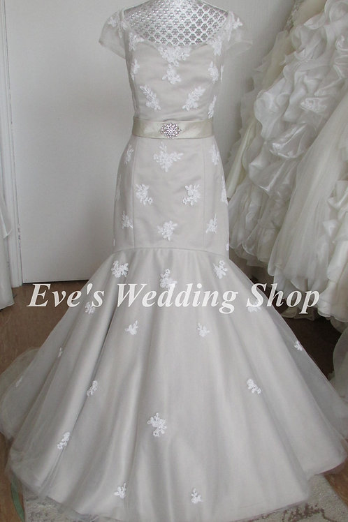 Lou Lou bridal grey wedding dress with bow UK 8/10