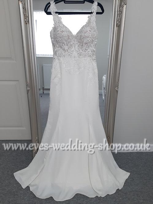 Stella York wedding dress ''6834'' with lace cut out train UK 14