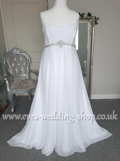 Michael Nolte white chiffon wedding dress US 24- UK 26/28
