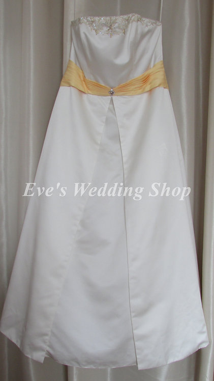 Beautiful ivory/yellow wedding dress UK 18/20