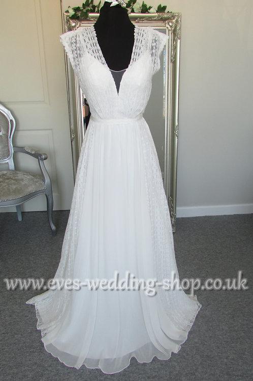 Verise boho style ivory wedding dress UK 10