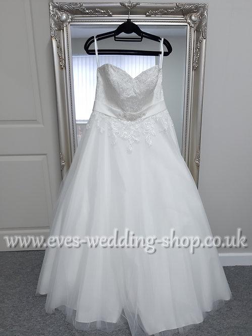 Venus style VN6907 ivory wedding dress UK 16