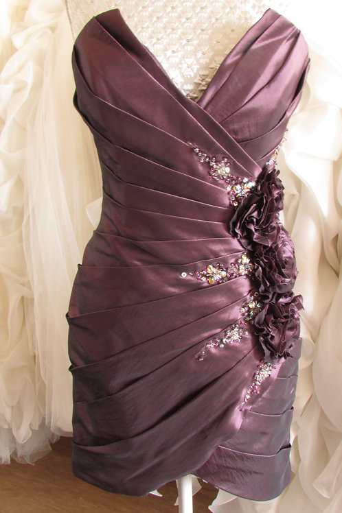 PURPLE FLOWER SHORT BRIDESMAID / EVENING DRESS 8/10