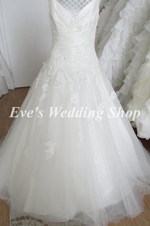 Amanda Wyatt ivory V- neck wedding dress UK 14/16