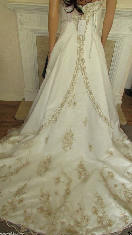 IVORY WITH GOLD LACE WEDDING DRESS SIZE 8/10