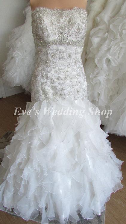 Ivory silver lace ruffled trumpet style wedding dress UK 8/10