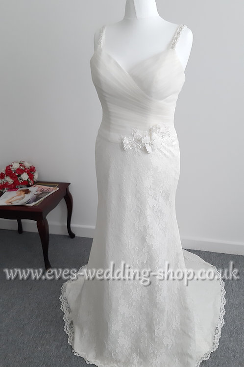 Julian & Adam ''Karina'' ivory simple wedding dress UK size 18/20