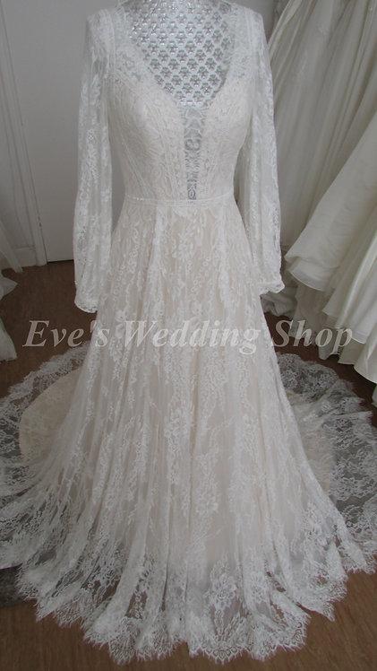 White Rose boho wedding dress with sleeves UK 10