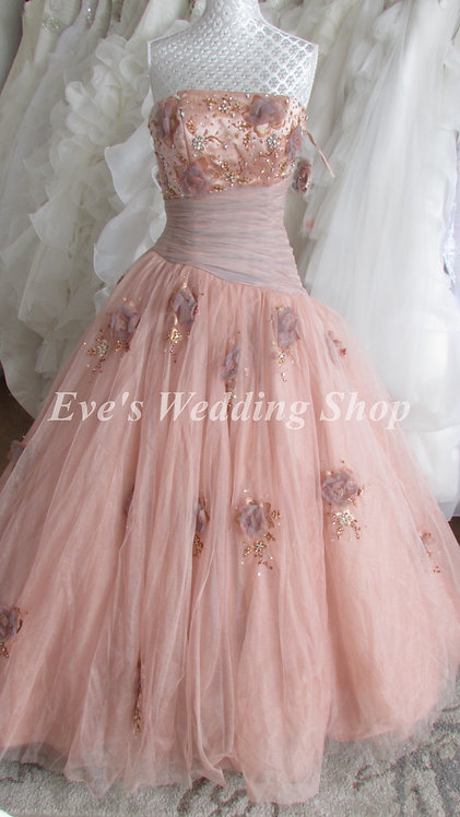 MAUVE/GREY PRINCESS WEDDING DRESS 4,6 OR 12