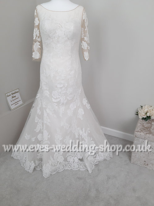 Ivory/rum pink wedding dress with sleeves UK 16