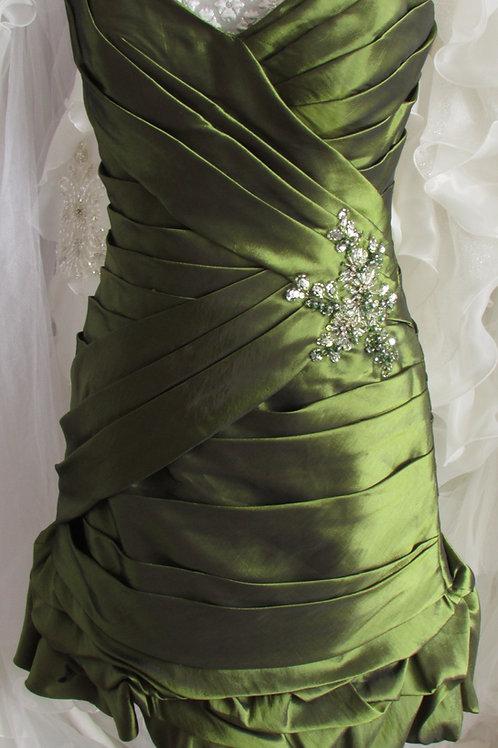 GREEN FLOWER SHORT BRIDESMAID 10