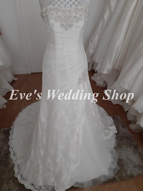 Ivory lace wedding dress UK 20
