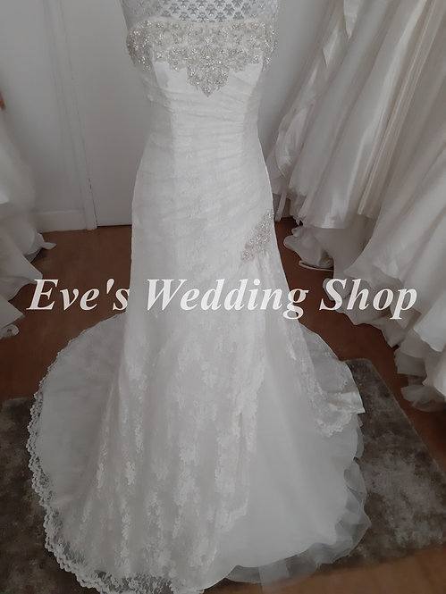 Ivory lace wedding dress UK 20