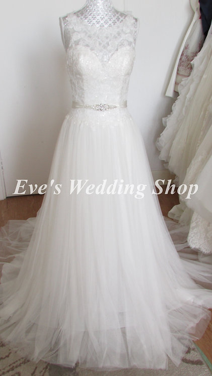 Alexia designs ivory wedding dress UK size 8