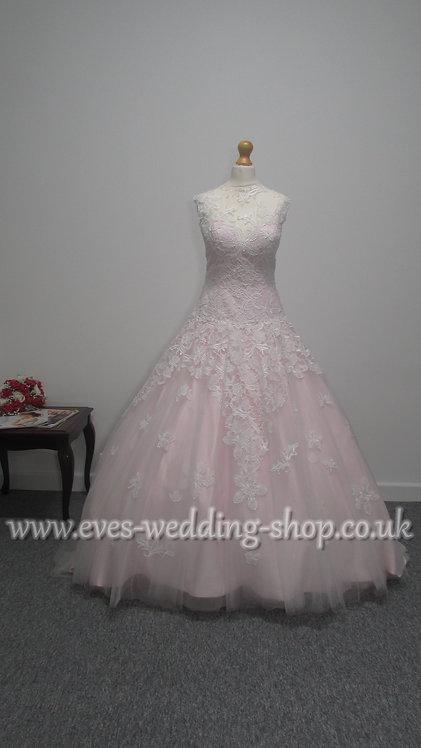 Beautiful Victoria Kay ivory / pink wedding dress Uk size 12/14