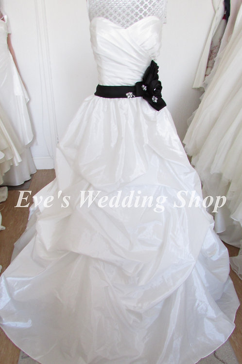 Alfred Angelo wedding dress with black belt UK 14/16