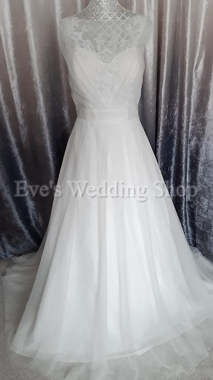 Ivory tulle wedding dress UK 14/16