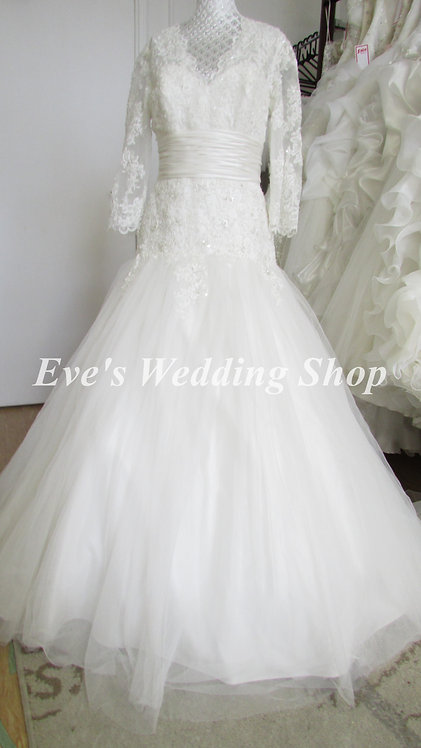 Alfred angelo ivory Wedding dress with sleeves UK 14