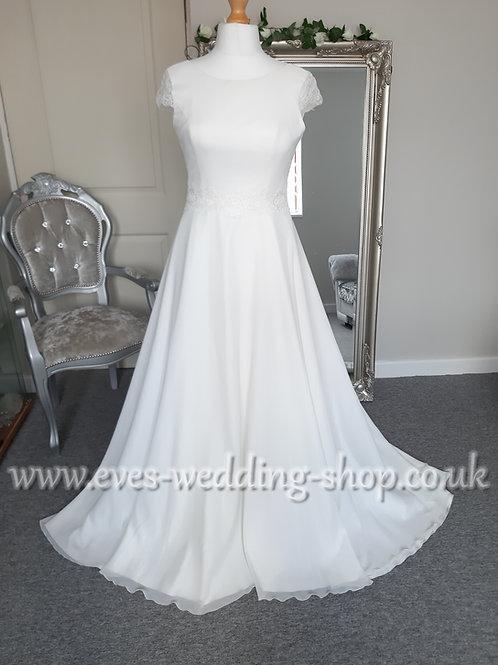 Bianco Evento ''Letizia'' wedding dress EU 42 - UK 14