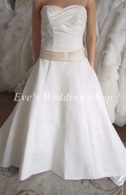 MEL WEDDING/BRIDAL DRESS UK 6/8