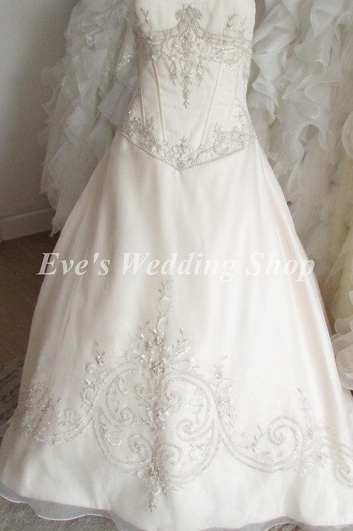 Alfred Angelo cream embroidered wedding dress uk16