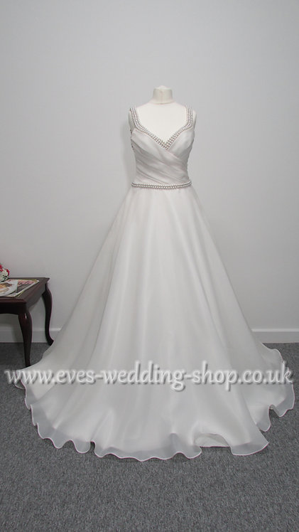 Ronald Joyce Tiffany ivory wedding dress with hidden pockets Uk 10