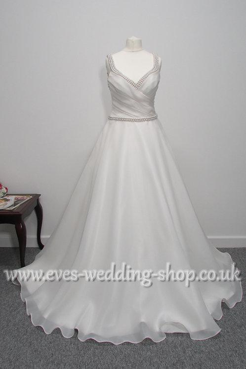Ronald Joyce Tiffany ivory wedding dress with hidden pockets Uk 10