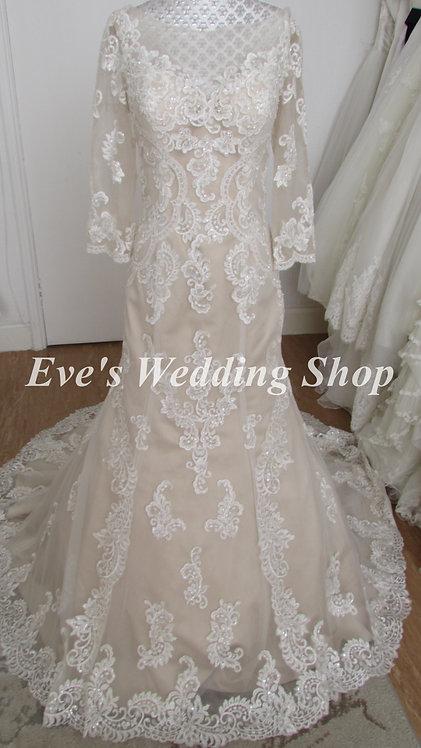 Ivory champagne? wedding dress with 3/4 sleeves UK 14/16