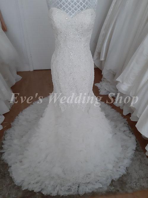 Berketex ivory / cream wedding dress UK 6/8