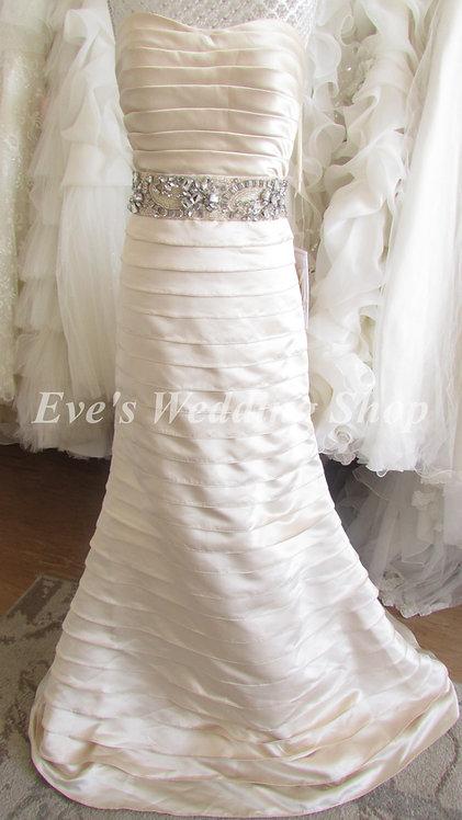 Beautiful gold Jovani wedding dress Us 6 / UK size 10