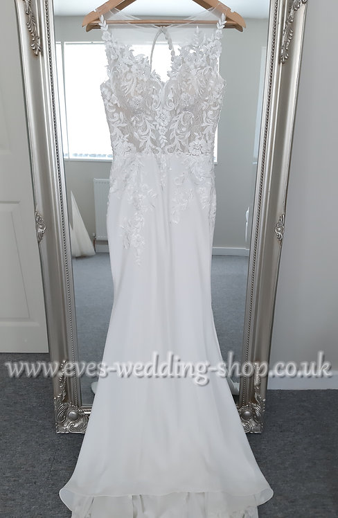 Berketex ''Lara'' wedding dress with lace cut out train UK 8