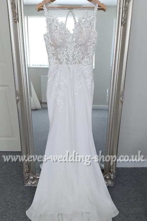 Berketex ''Lara'' wedding dress with lace cut out train UK 8