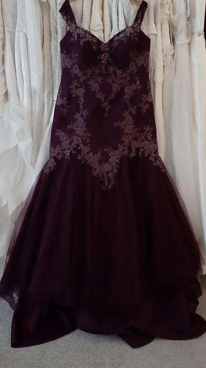 Sonsie aubergine purple color wedding dress UK 20/22
