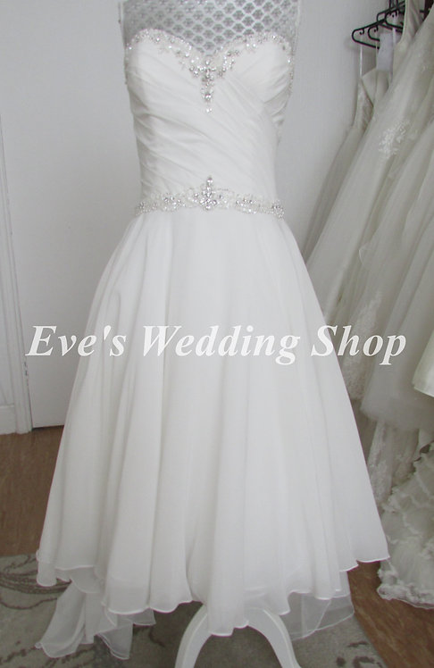 Beautiful ivory dip hem chiffon beach wedding dress UK 16/18