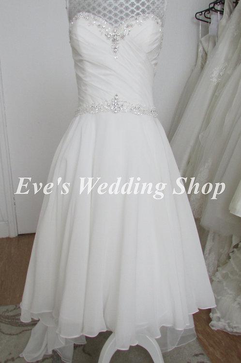 Beautiful ivory dip hem chiffon beach wedding dress UK 8