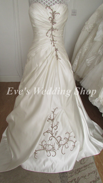 D'zage Ivory/cappucino wedding dress 8/10