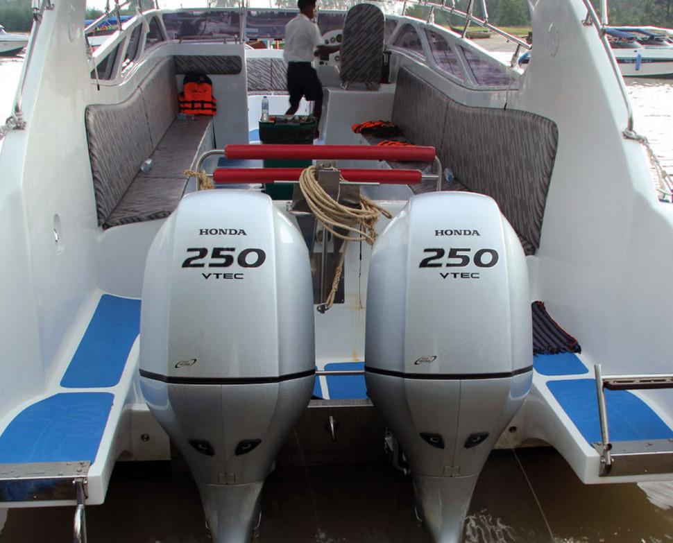speedboat3.jpg
