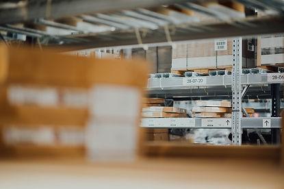 Entrepôt et marchandises monitorés pa DirectView
